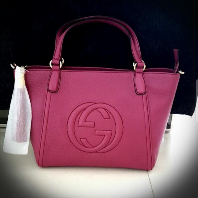 4e57ffc0ae BRAND NEW Gucci Soho Leather Top Handle Bag in Dark Pink