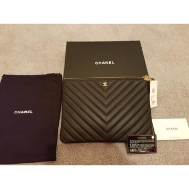 Chanel 2018 cruise Greece o case with charms
