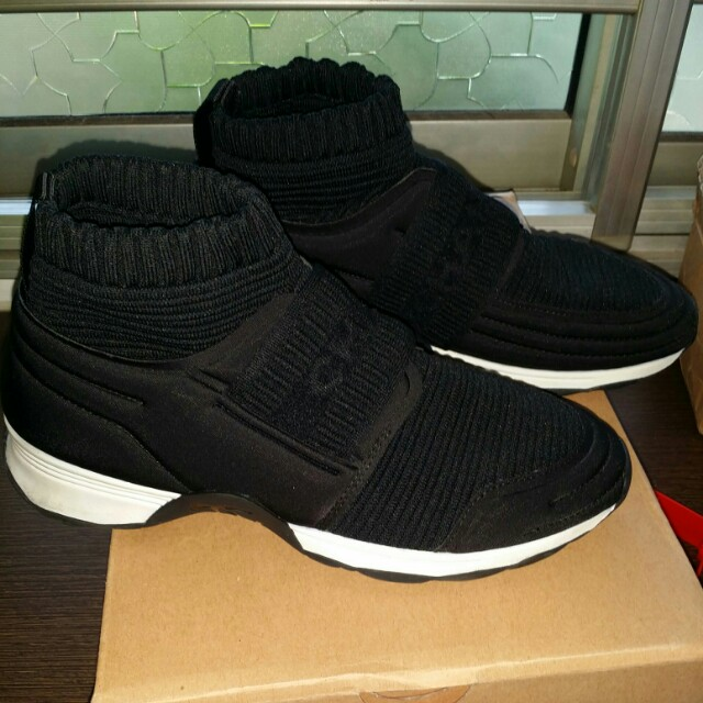 Chanel Sneakers Women S Fashion Shoes On Carousell