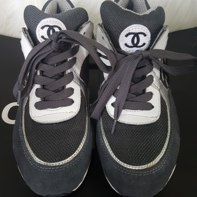 Chanel Sneakers Us9/Eur 40