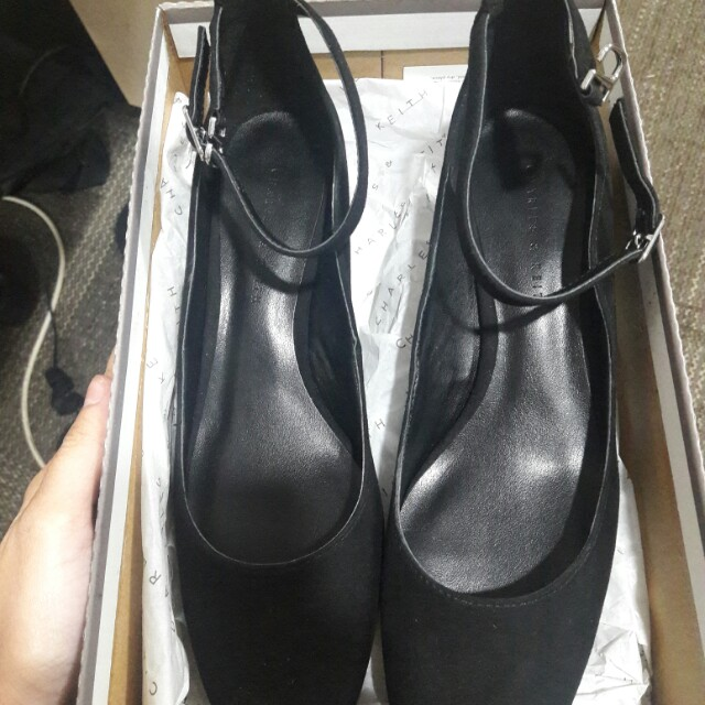 Charles and Keith Shoes black size 27