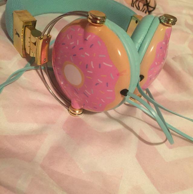 Donut head phones