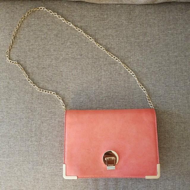 DUNE Coral shoulder chain bag