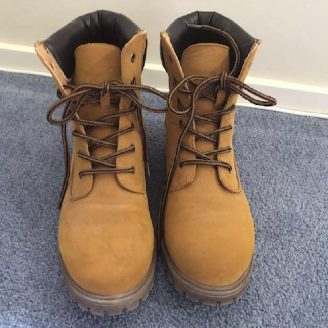 Factorie size 38 boots