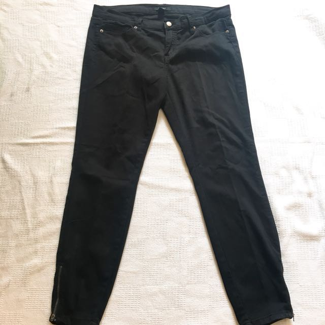 Forever 21 Skinny Jeans (Size 30)