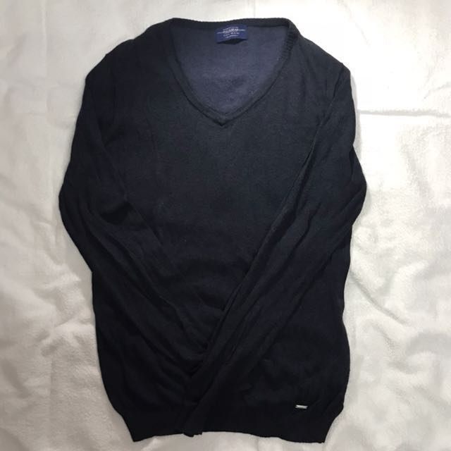 FREE ONGKIR Sweater Vneck Pull and Bear Size L