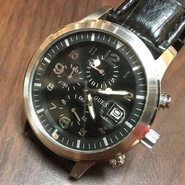 1427b37ad73e5 Guess Chronograph Watch W25093P1