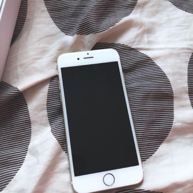 iPhone 6s 32 GB (GOLD) *UNLOCKED*