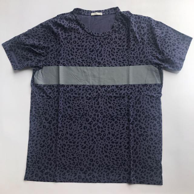 Kaos lengan pendek - Ungu motif leopard