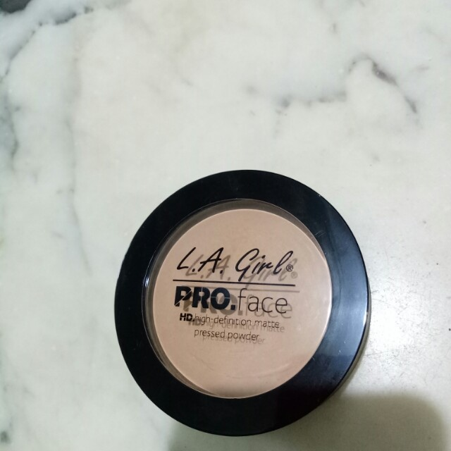 L.A Girl pro face hd high definition matte pressed powder