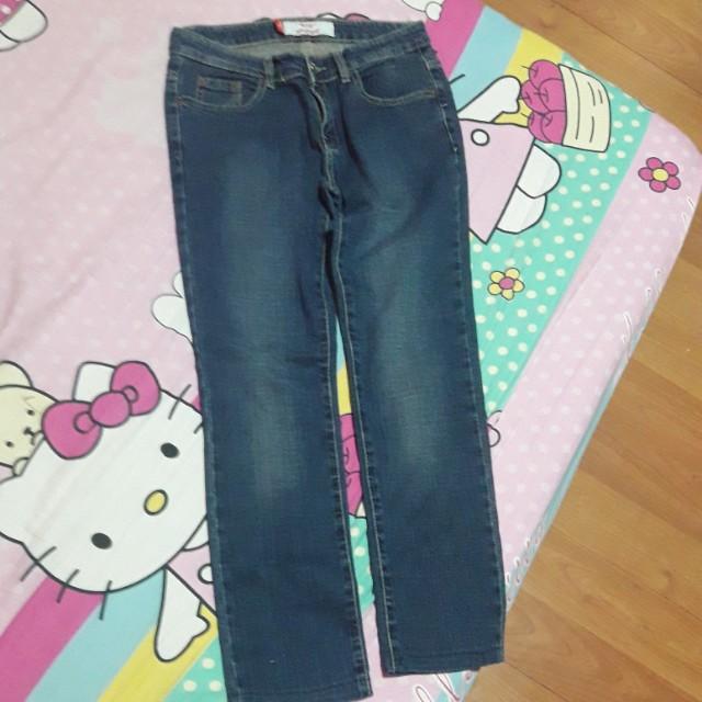 levi's jeans overuns