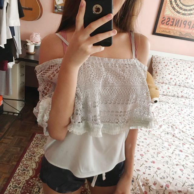 LIQUORISH Cold Shoulder Lace Top