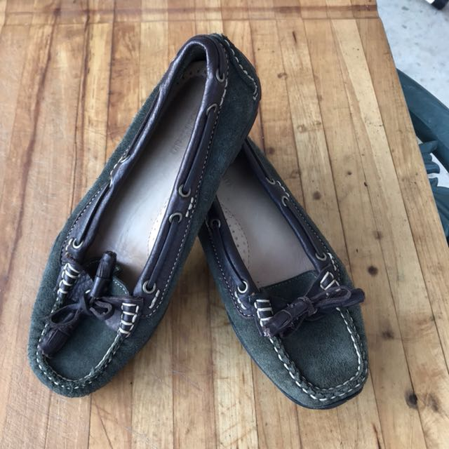 LL Bean Ladies Suede Loafers Deck Shoes Green Size 6 US