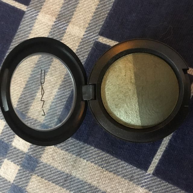 MAC mineralize eyeshadow authentic