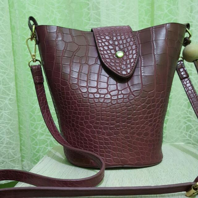 Maroon Bucket Bag SM Woman