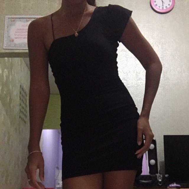 Mini black dress bodycon