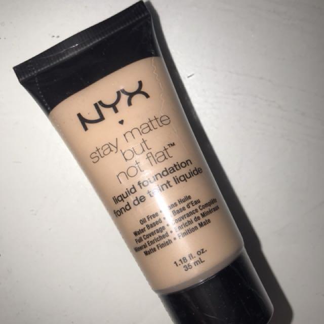Nyx foundation smf15 medium
