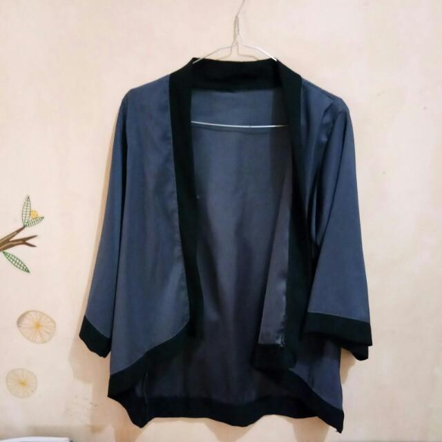Outer kimono grey black