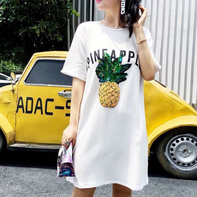 Over-sized Tee Pineapple Sequins
