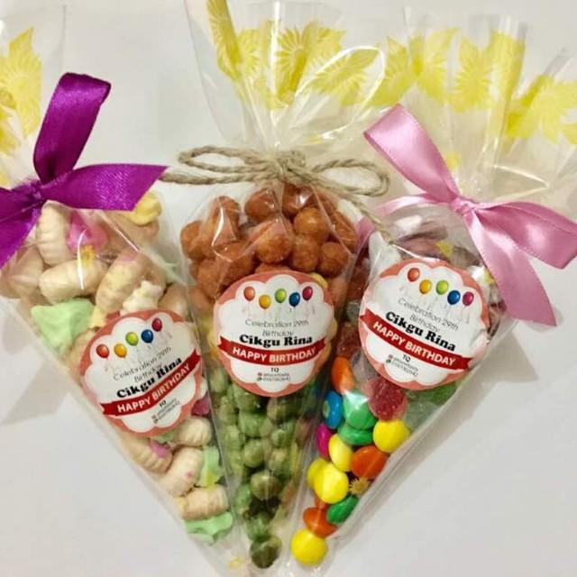 Plastic Cones Wedding Doorgift Favor Berkat Door Gift Favour