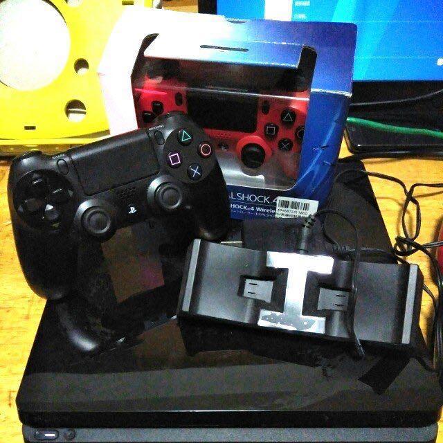 PS4太空戰士限定機1T 雙手把 HORI充電座