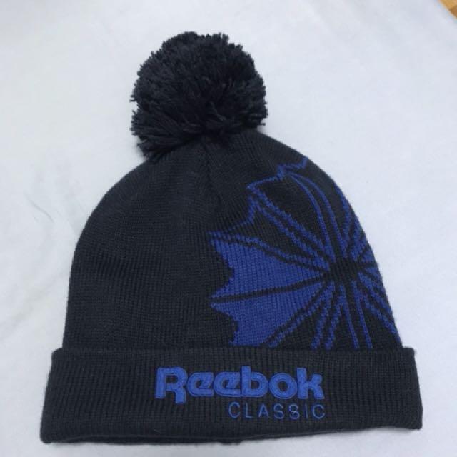 Reebok 針織毛球帽