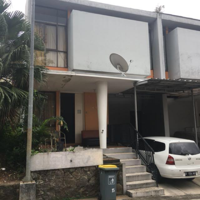Rumah townhouse di Jakarta Timur