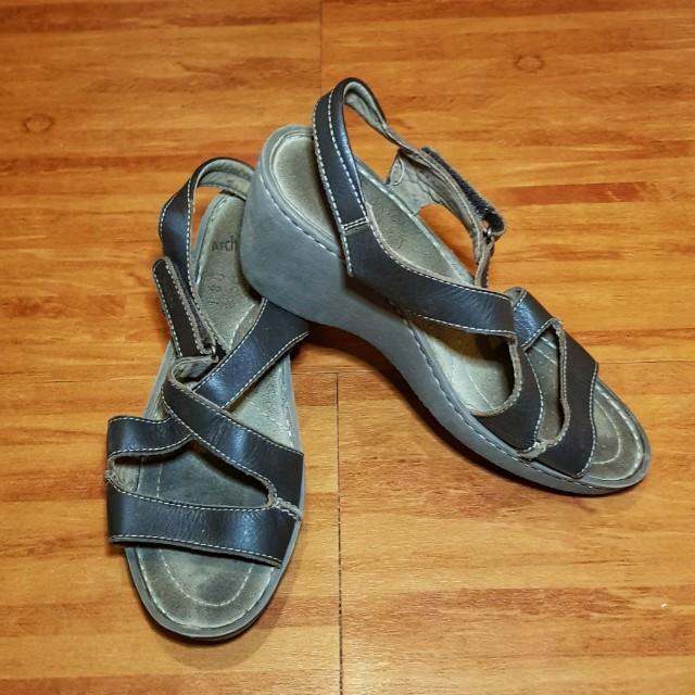 Scholls wedges sandal