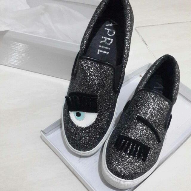 Sepatu Mata