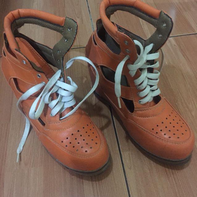 Sepatu MBT 55f9ee0730