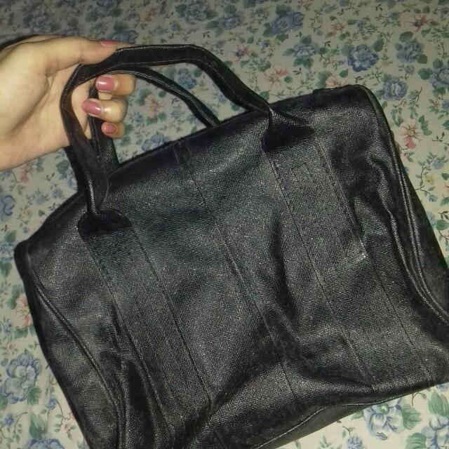 Sling and hand bag black