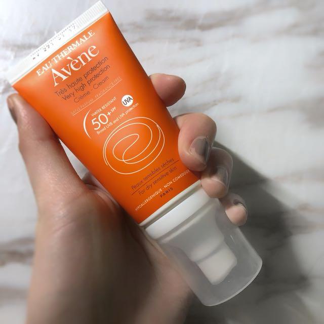 (九成新)雅漾全效極護低敏防曬乳SPF50+(無香料)