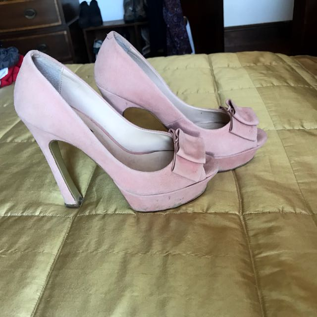 Tony Bianco baby pink suede pumps