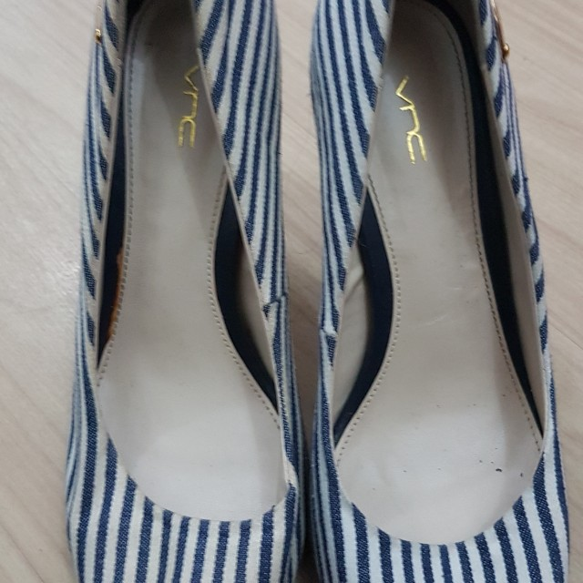 66debef78a23 VNC White and Blue Striped Peep-Toe Heels
