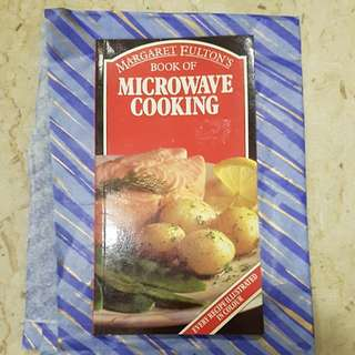 Book of Microwave Cooking (Margaret Fulton's)