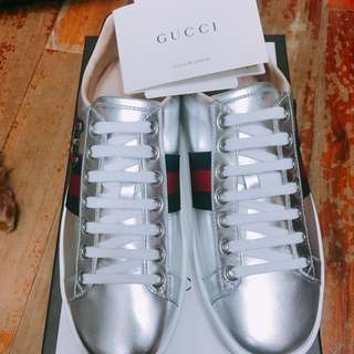 Gucci Sneakers 100% New Sliver 36 size