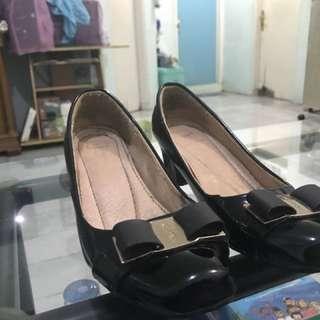 Sepatu Kerja warna hitam