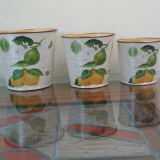 Decorative vintage tin canisters