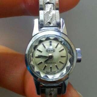 Swiss Octo 上鍊錶