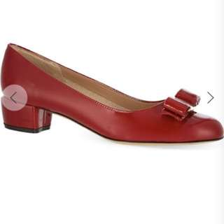 Ferrgamo vara bow pump size 38 100% new and red