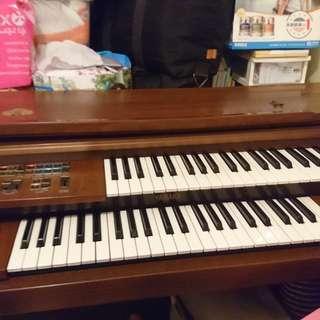 Yamaha 雙層電子琴 FC-10