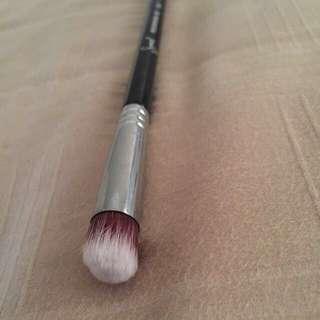Sigma P82 Eye Brush (concealer/eyeshadow Brush)