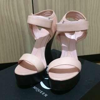 MCQ ALEXANDER MCQUEEN Pink Leather Platform Wedge Sandal