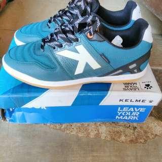 Sepatu futsal kelme 100% original