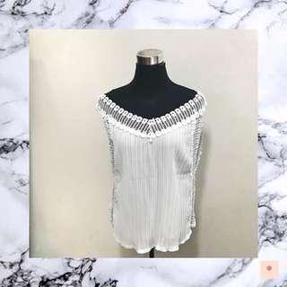 Loose white top