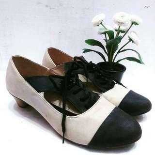 Lav!ola Khaki Shoes
