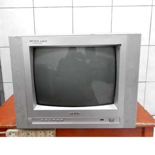 "SAAB Televisi 17"" Remot Multi Av Jernih Katapang SoReaNG"