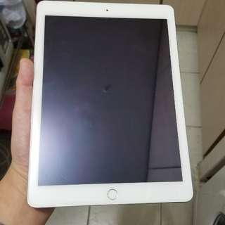 賣99%New ipad air 2,64gb,wifi