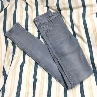 PullAndBear Stretchy Jeans