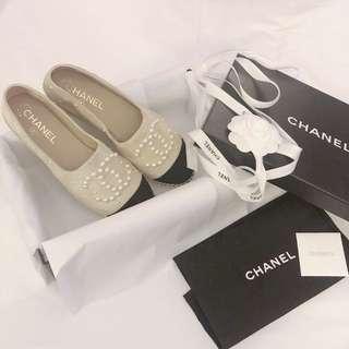 CHANEL 珍珠草鞋